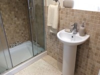 en-suite-bathroom-with-Aqualisa-Quartz-shower-including-remote control-b
